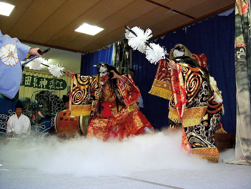 kagura-waseda-jinja-zoomjapon76